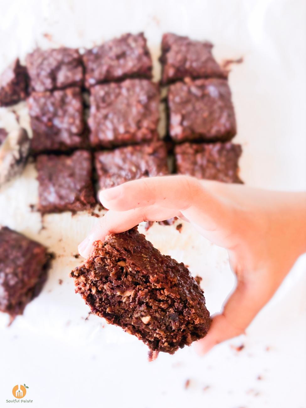 Simple 3-4 Ingredient Healthy Chocolate Brownies